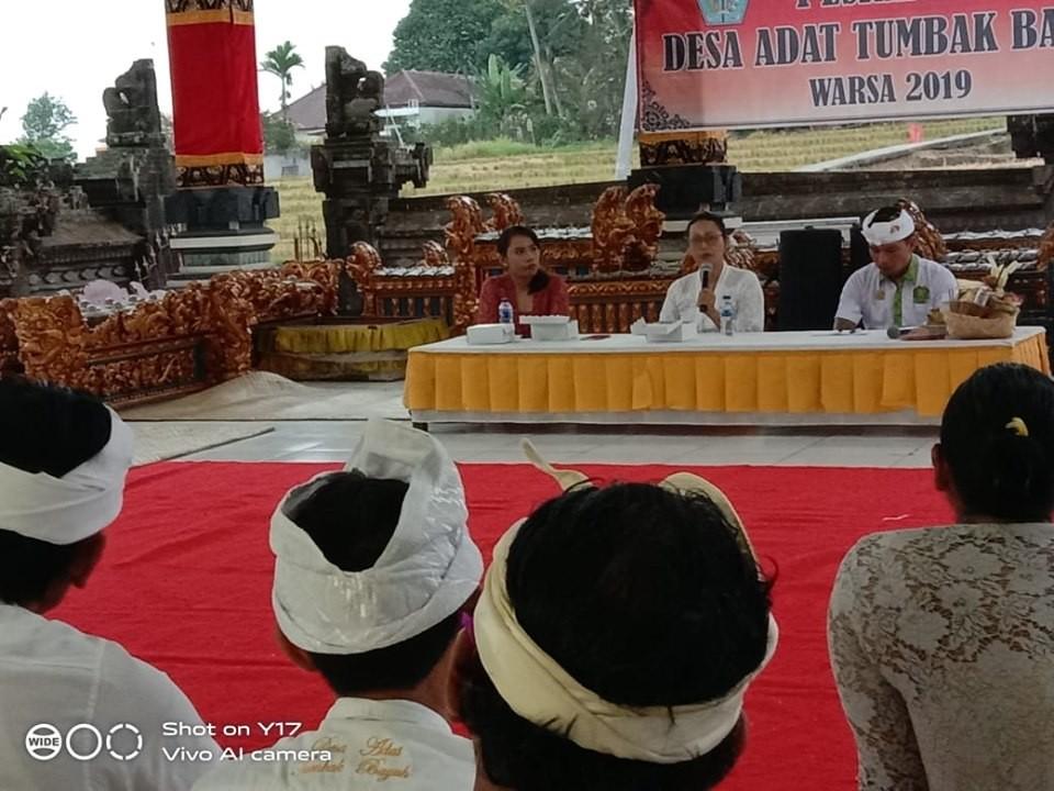 Kegiatan pesraman untuk sarati dan prajuru desa adat
